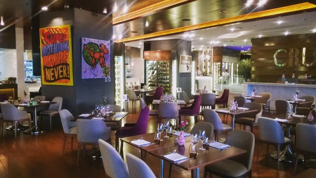 life in the fast lane at roberto 39 s abu dhabi abu dhabi restaurants foodiva foodiva. Black Bedroom Furniture Sets. Home Design Ideas